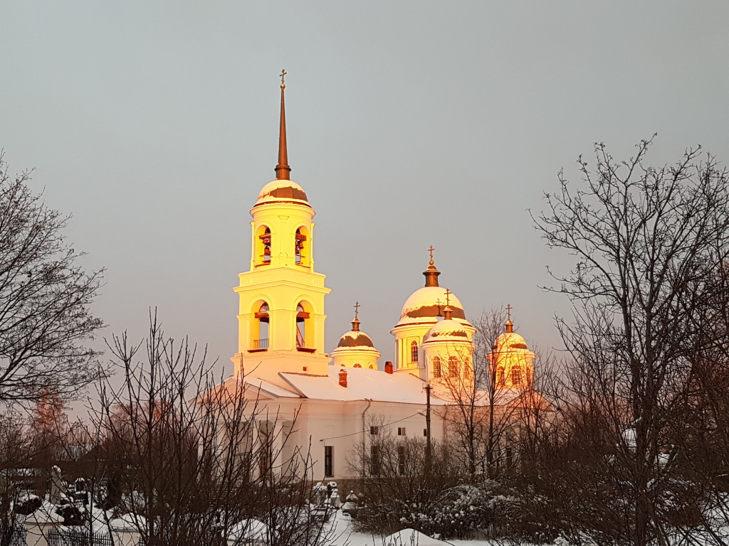 Недалеко от базы находится красивейшая Ильинская церковь